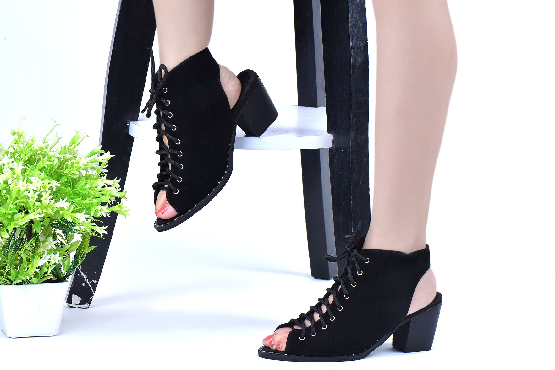 Lace Up Studded Trim Shoe Boots