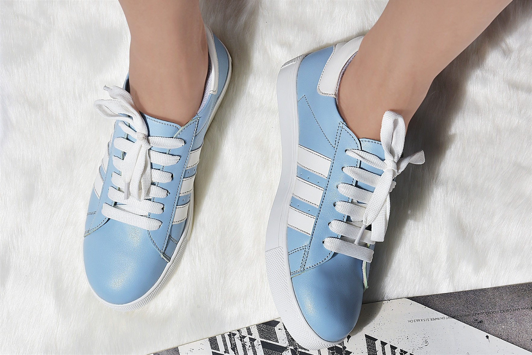 Style gallery sneakers