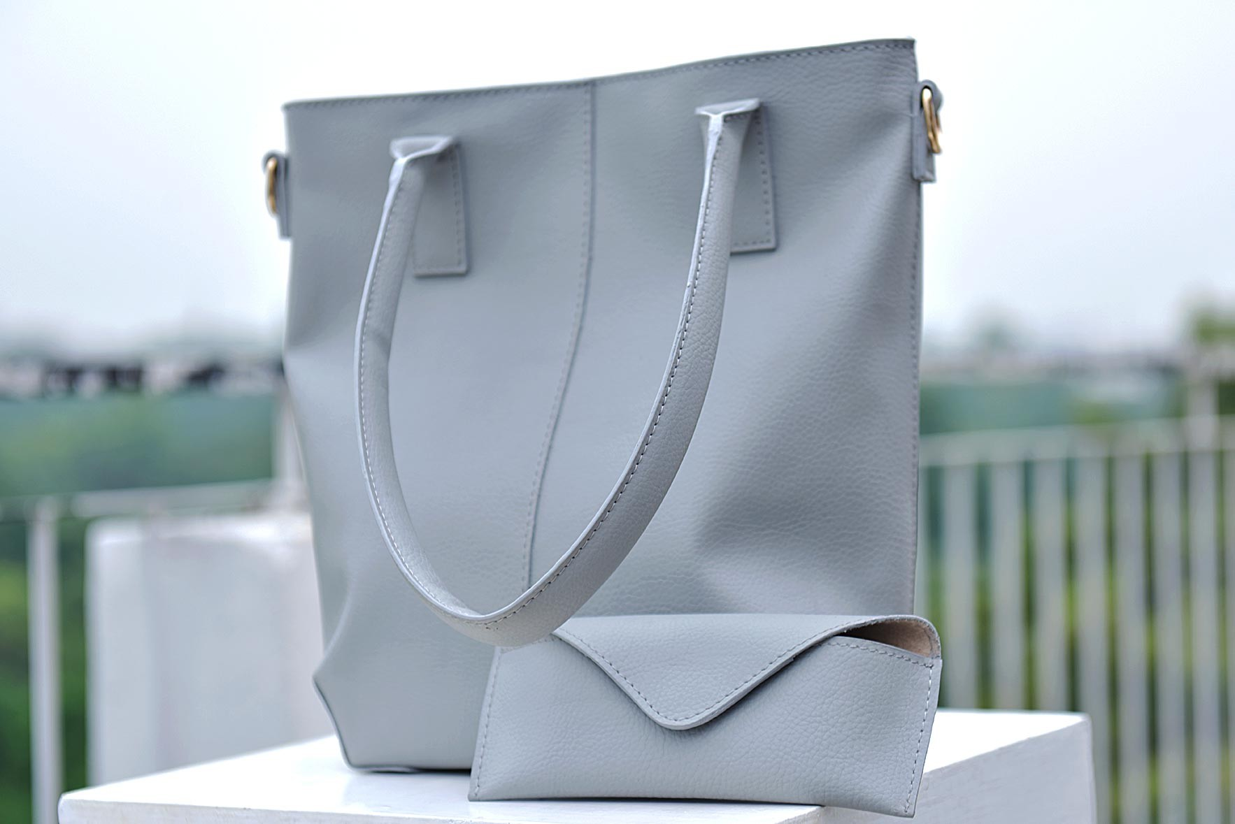 Steal my attention bag grey