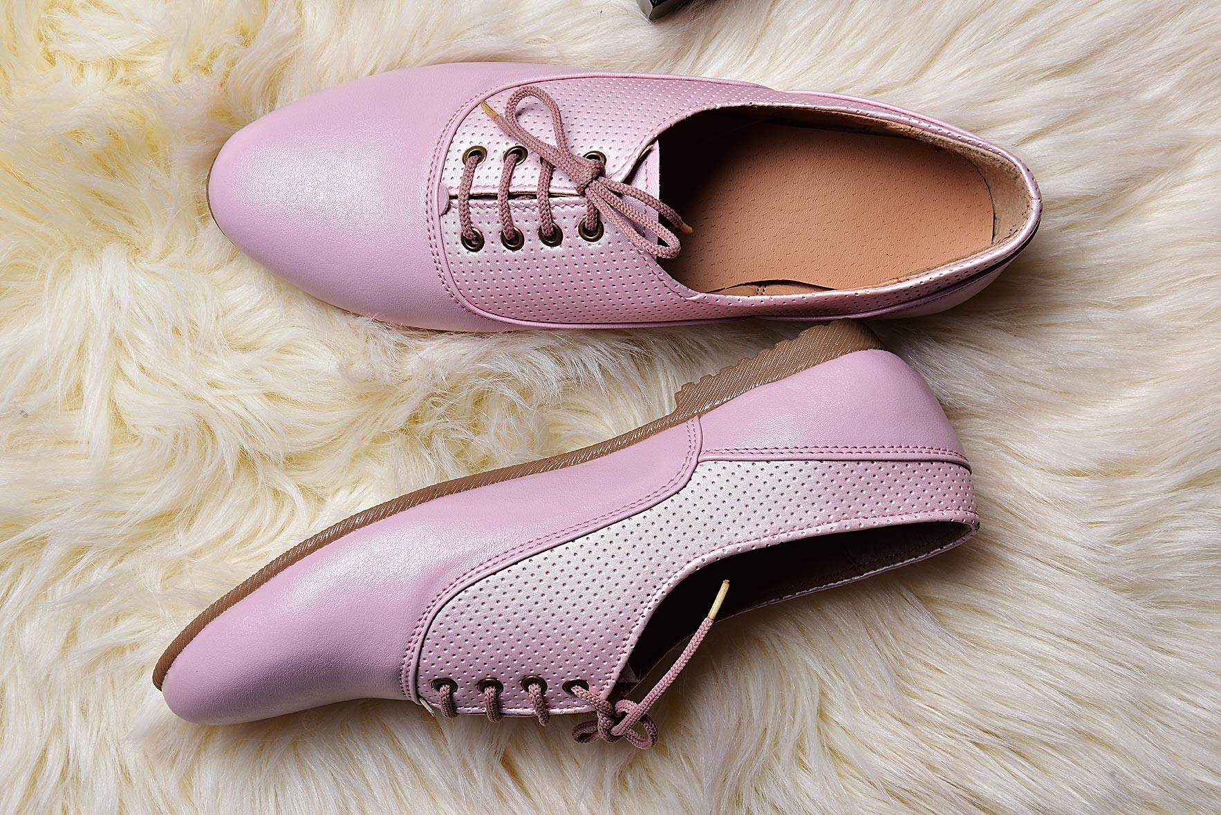 Escape the ordinary shoes pink
