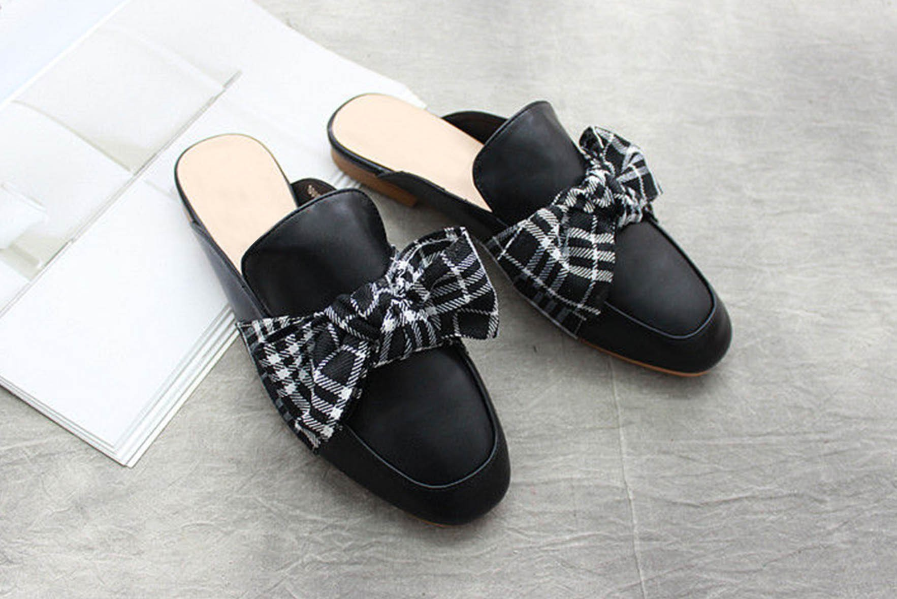 Bow-Accent Mules Black