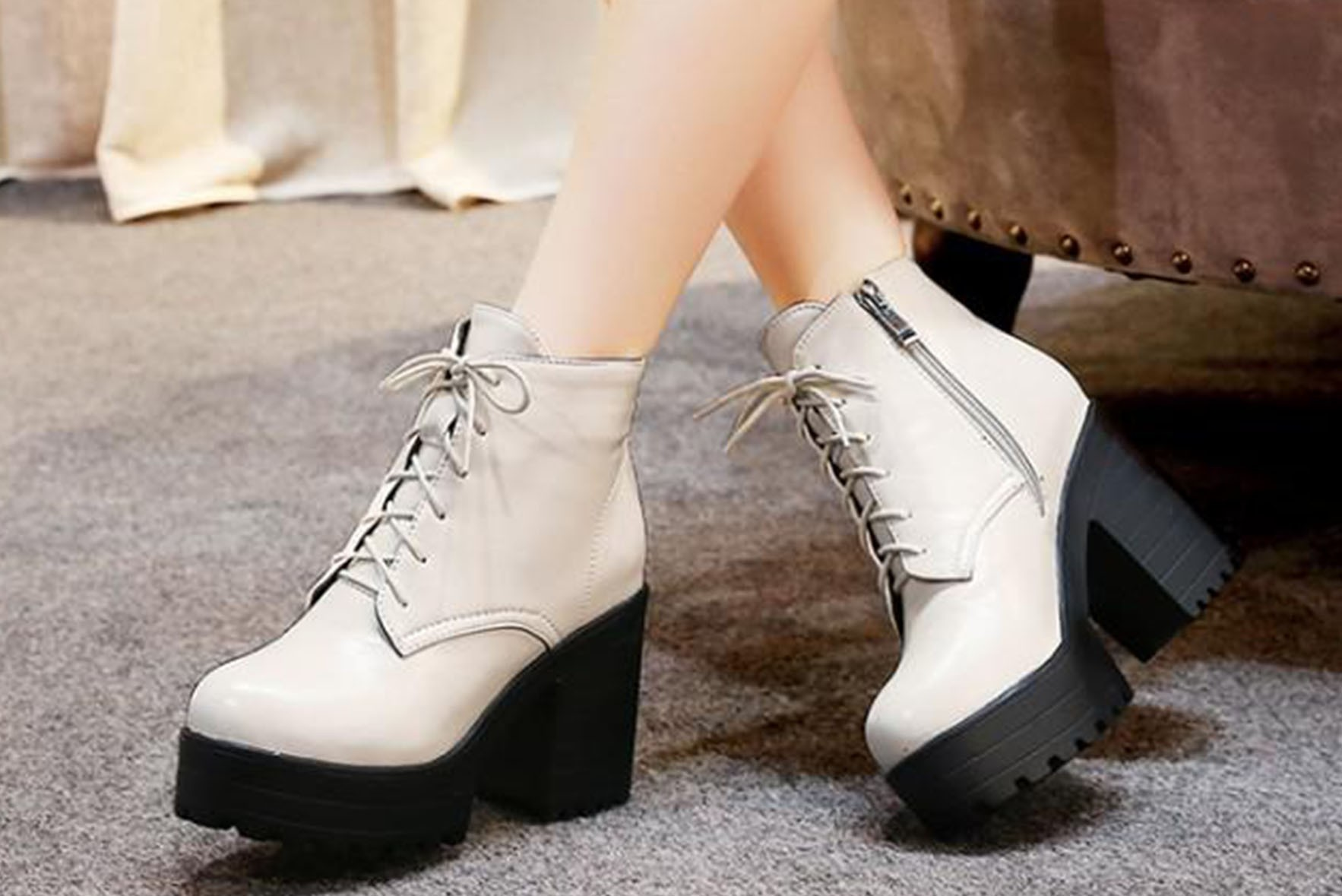 Beautiful Ankle Boots off White