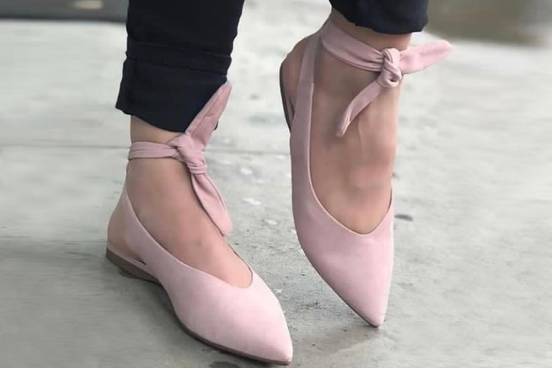 Front Tie Pointed Flat