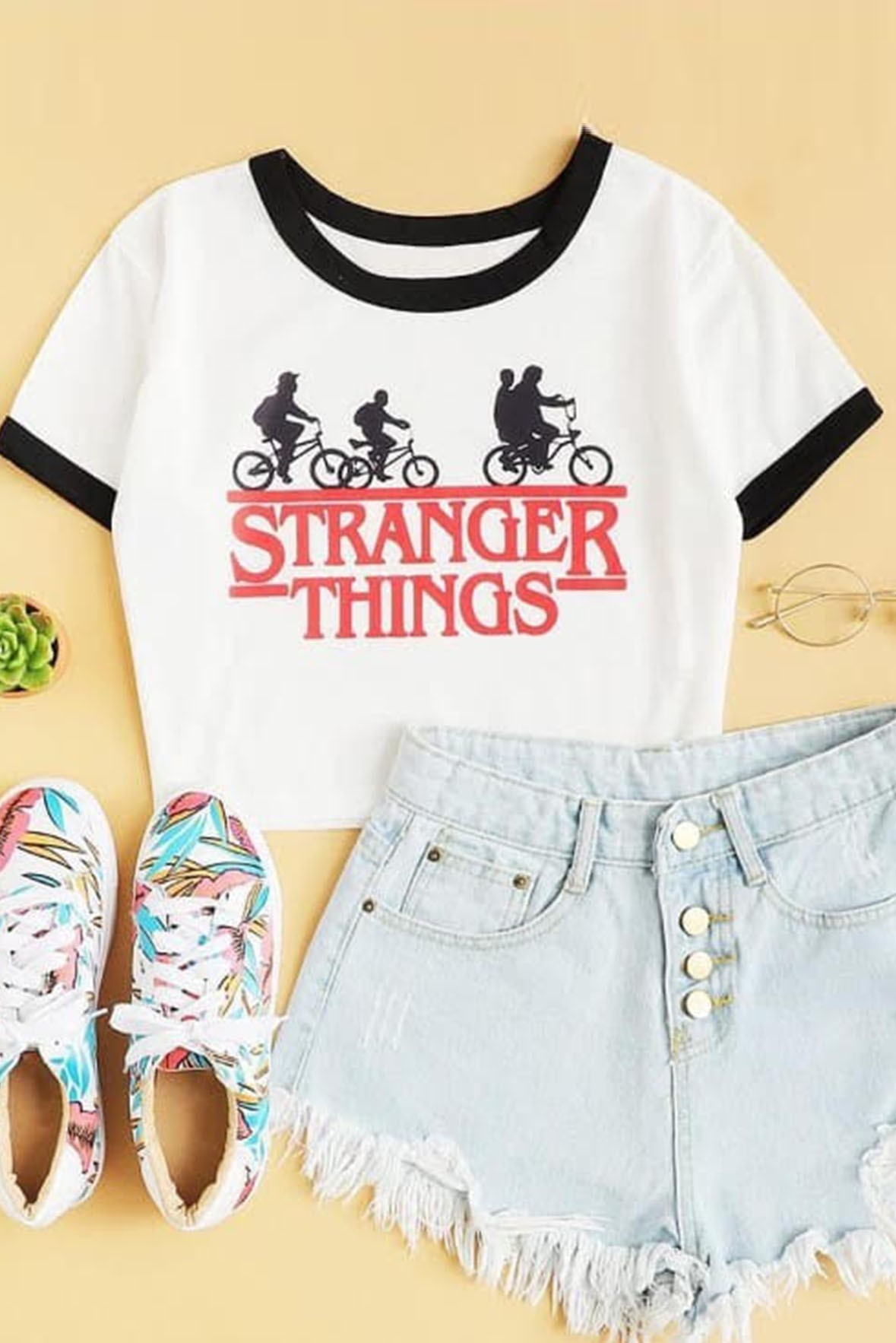 Strong things tee
