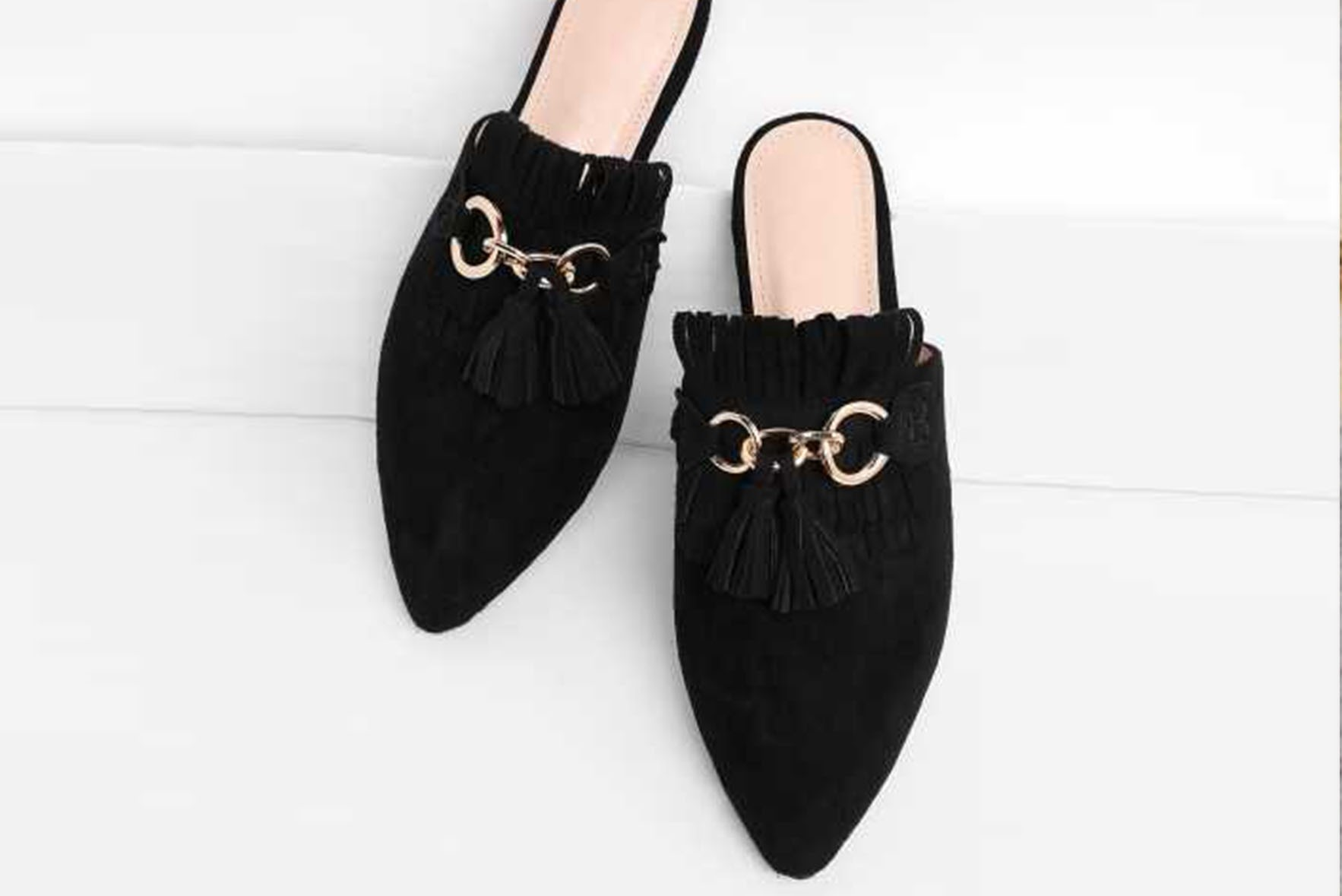 Tassle detail pointed toe flat