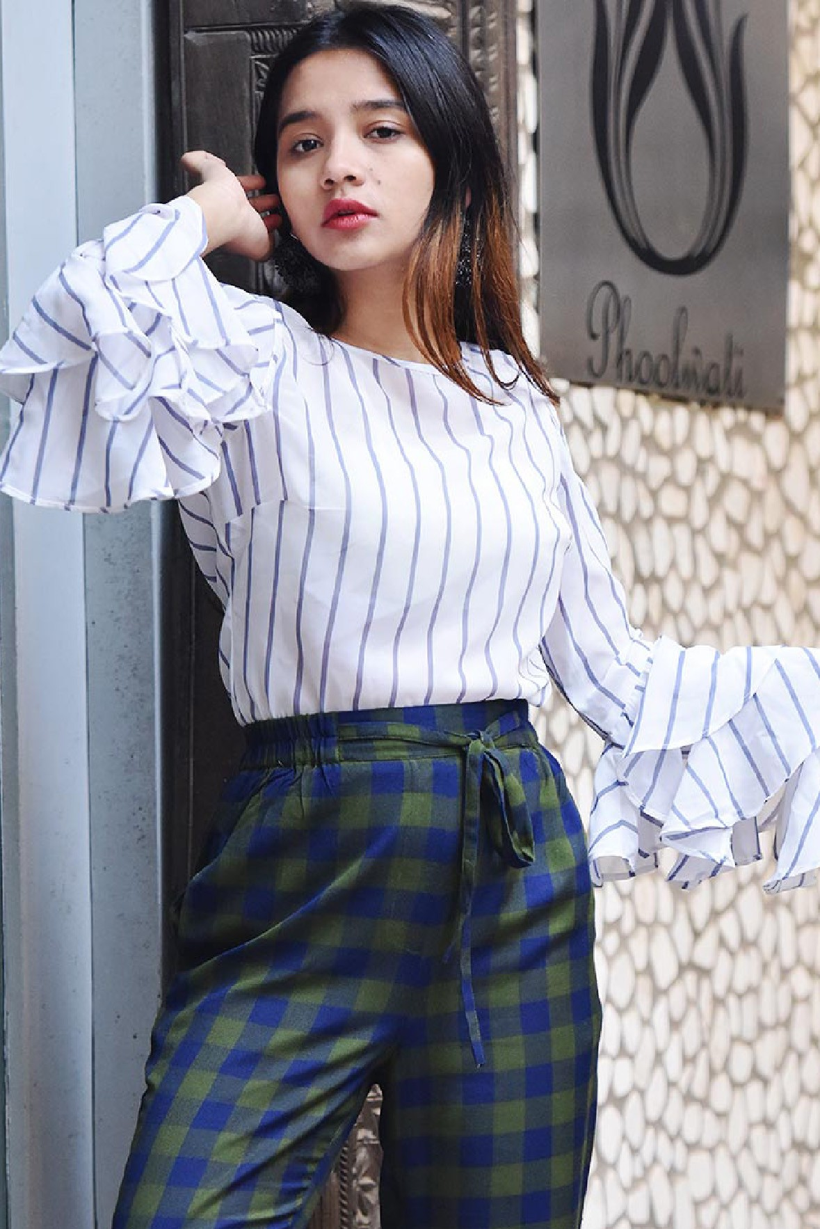 Ruffle sleeve stripe cold shoulder top