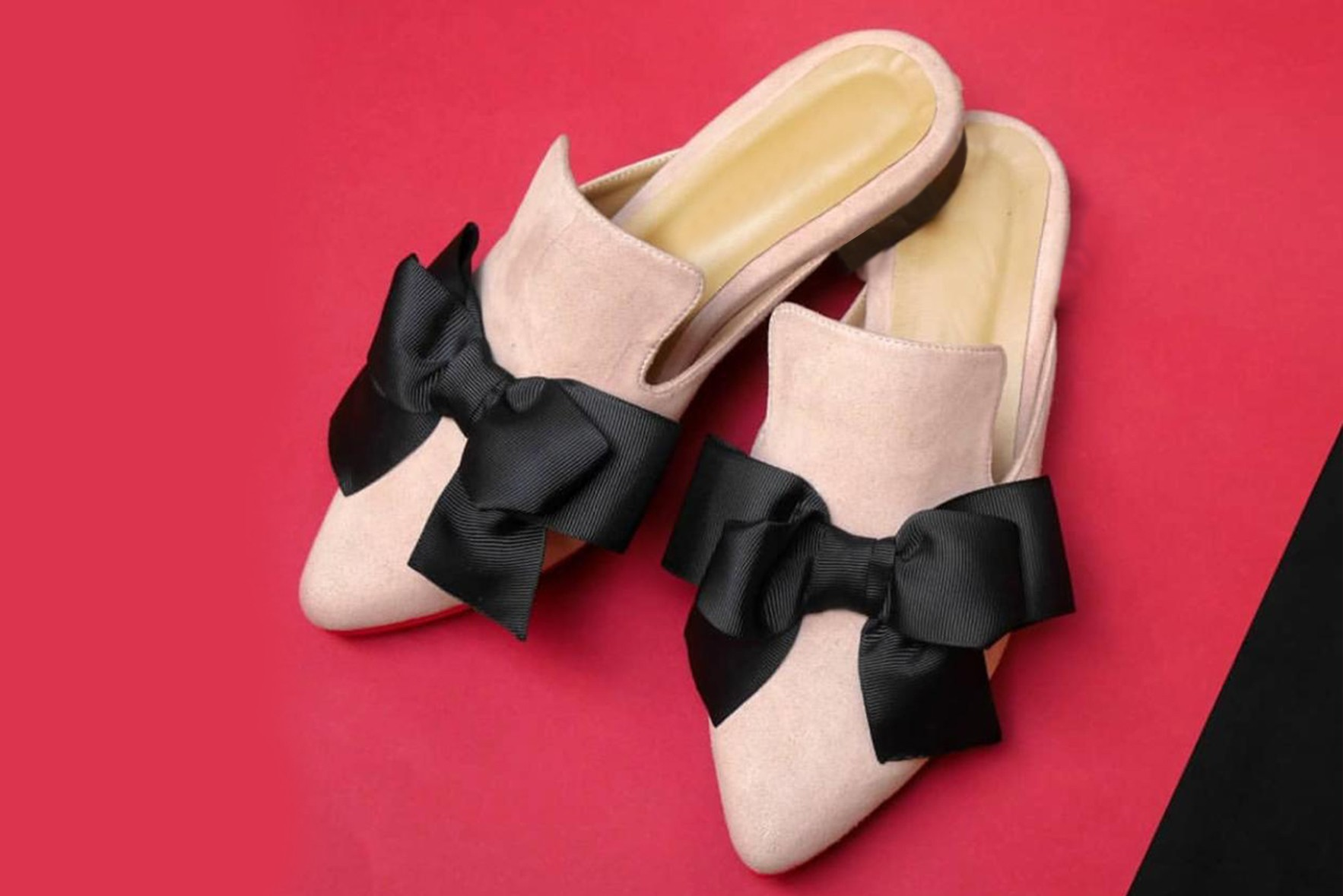 Lady of bows mules