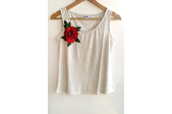Rose patch Sleeveless top