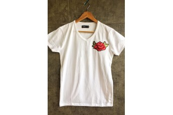 White V neck cotton T-shirt with Rose patch