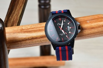 Red stripes strap watch