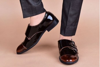Decked up formal shoes
