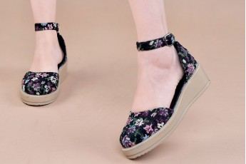 Floral footsteps wedges