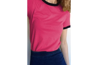 Pink t-shirt with black border