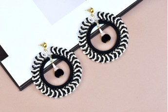 Monochrome bead earrings