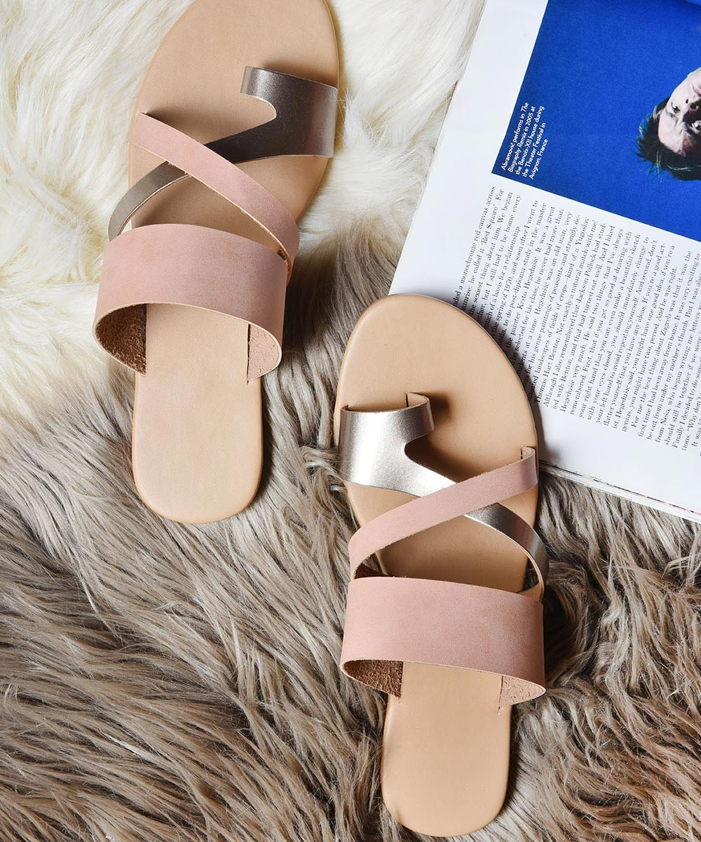 Keep up the straps flats pink
