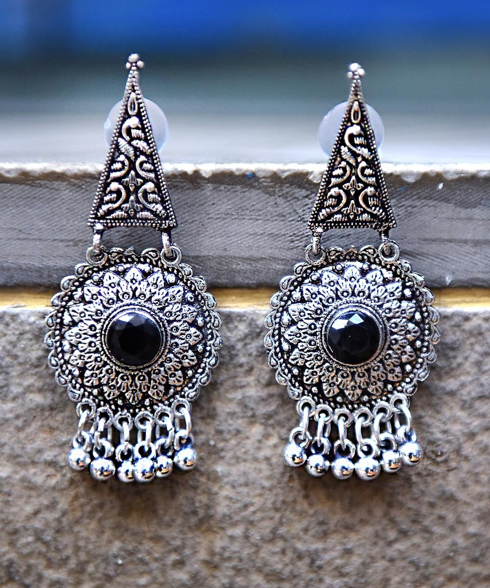 Style cone earrings black
