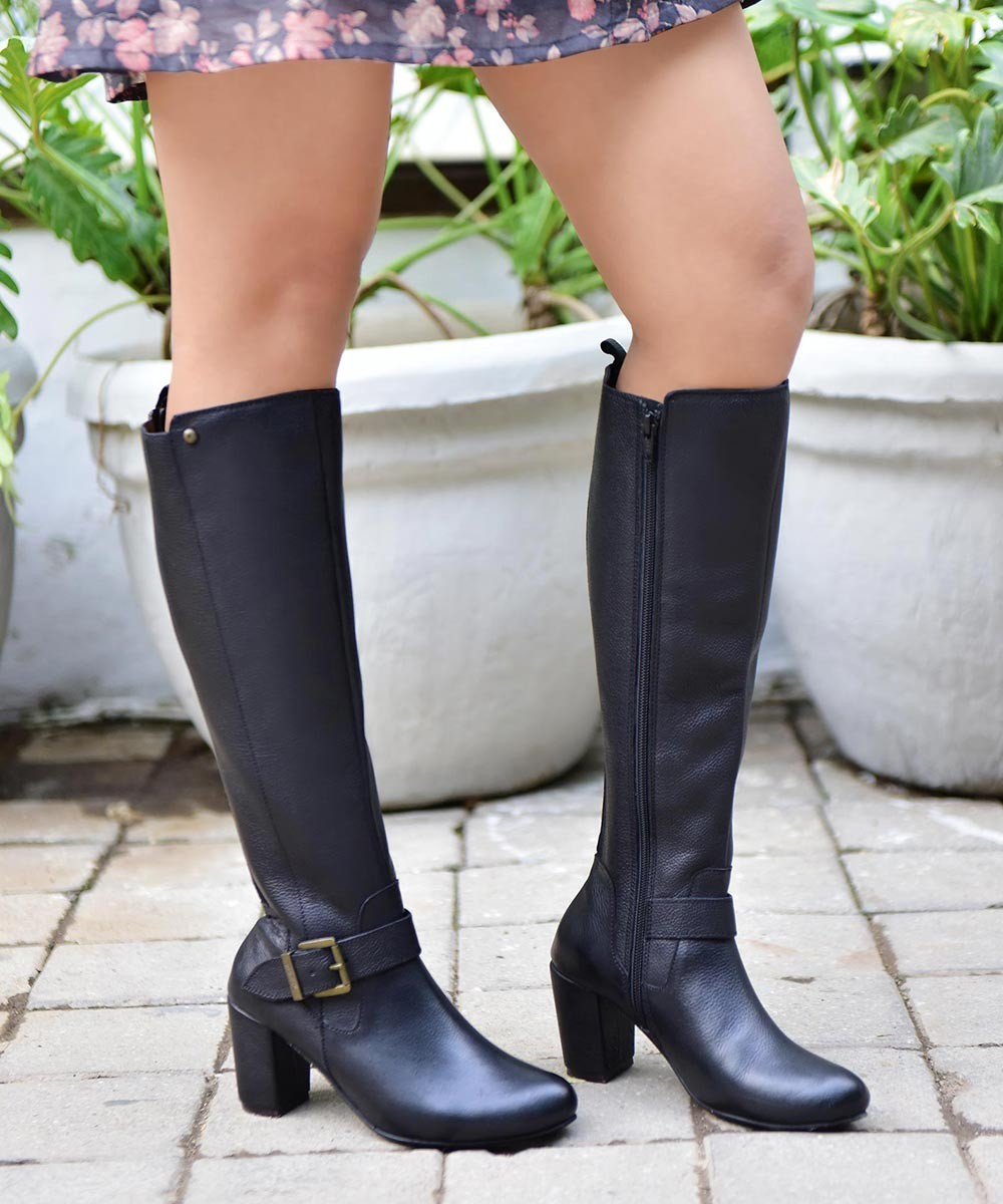 Senorita black leather long boots