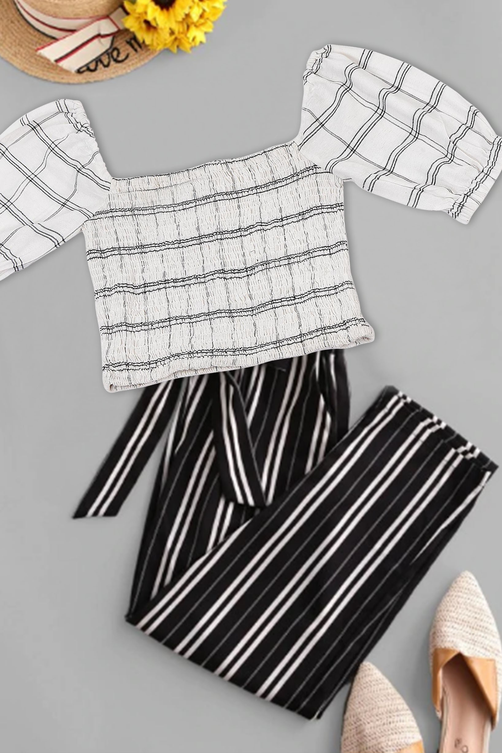 Smocked ruffle style sleeve top ( white )