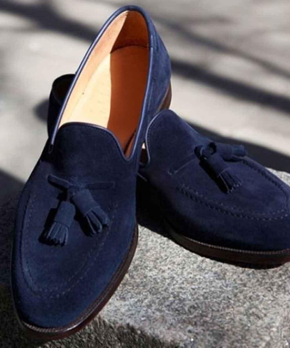 Tassels around shoes