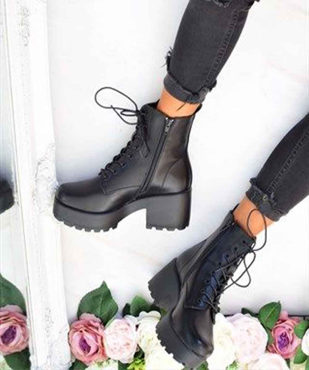 Reading rome romance boots