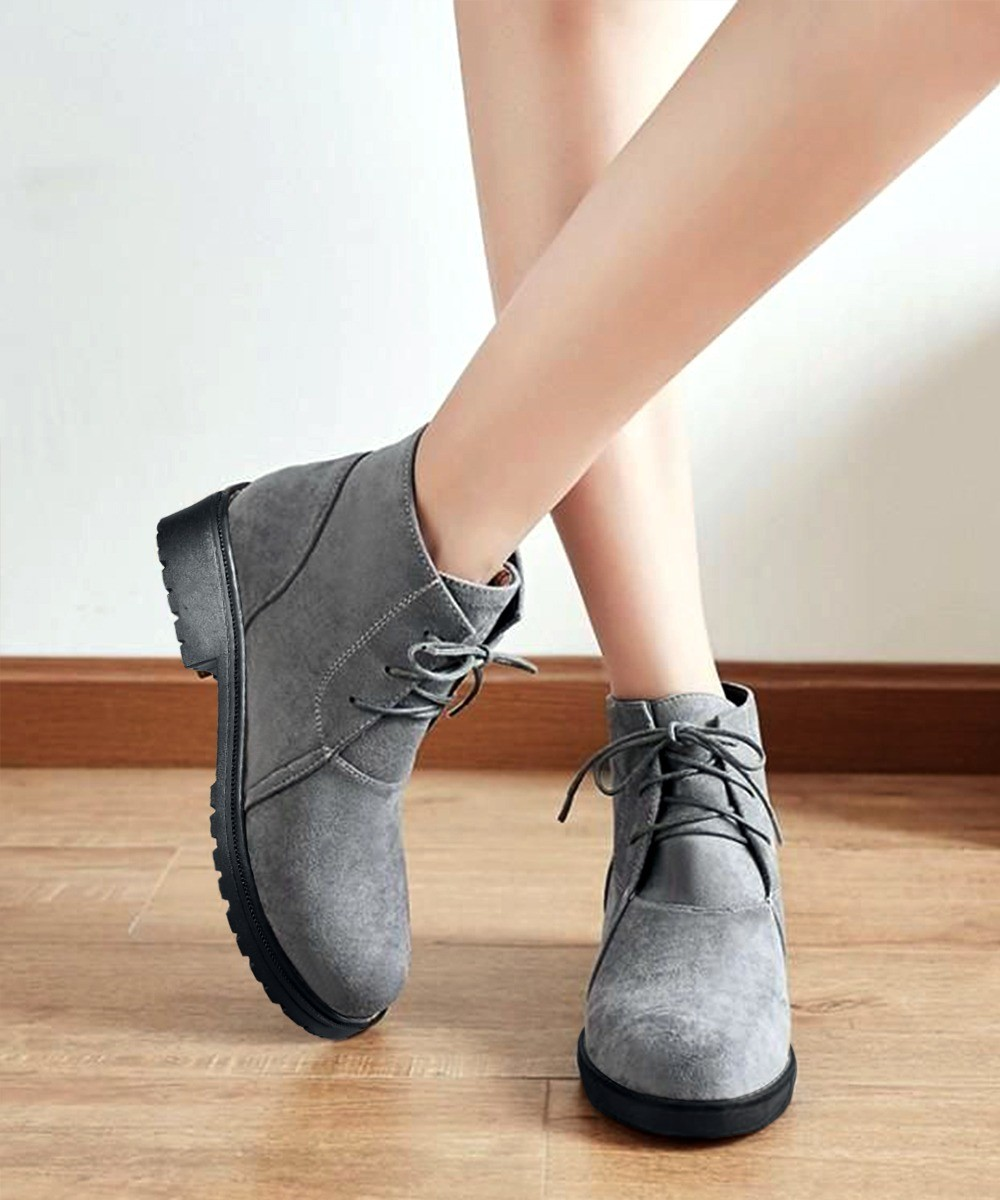 Grey fashion classic boots