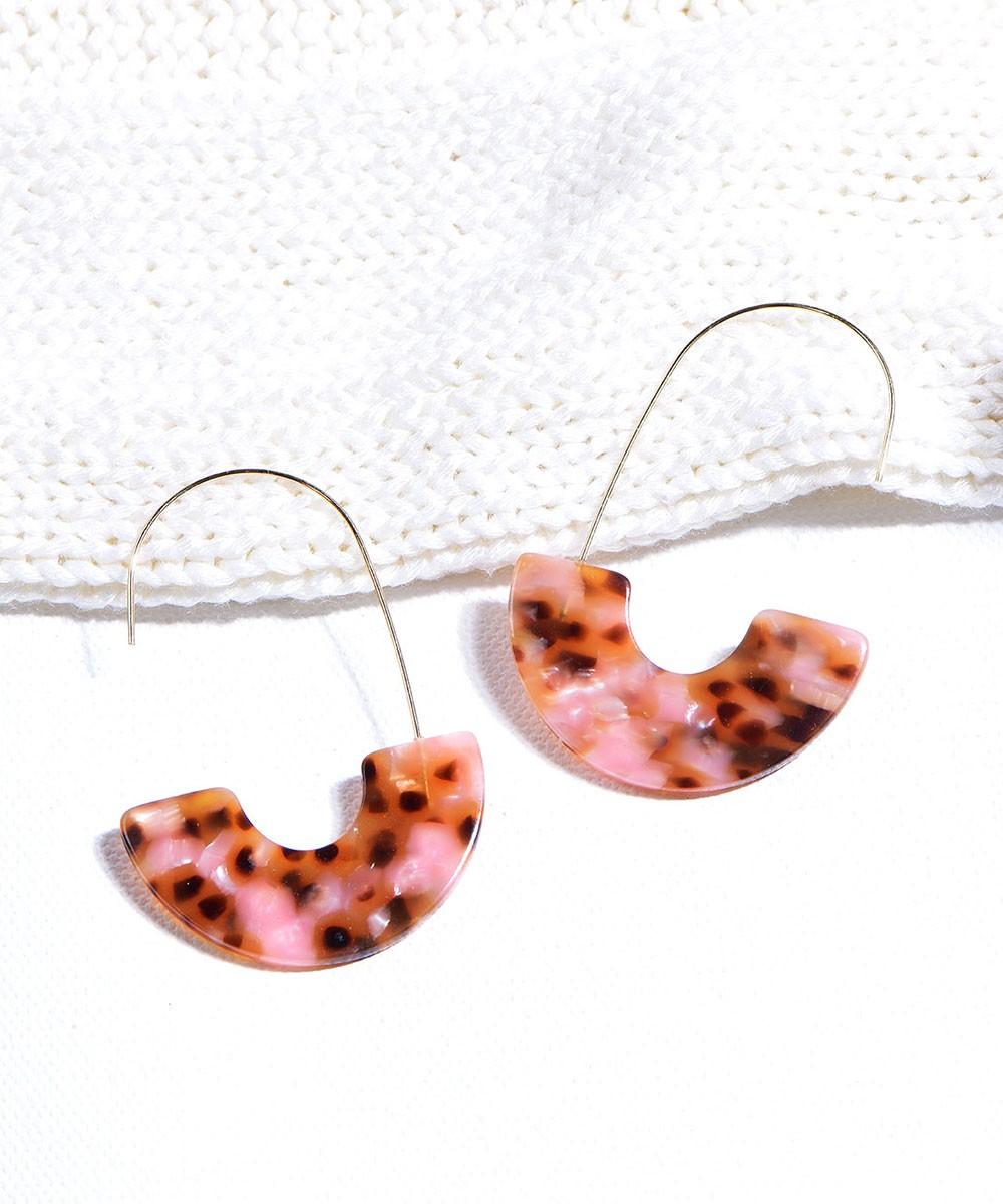 A monsoon date earrings