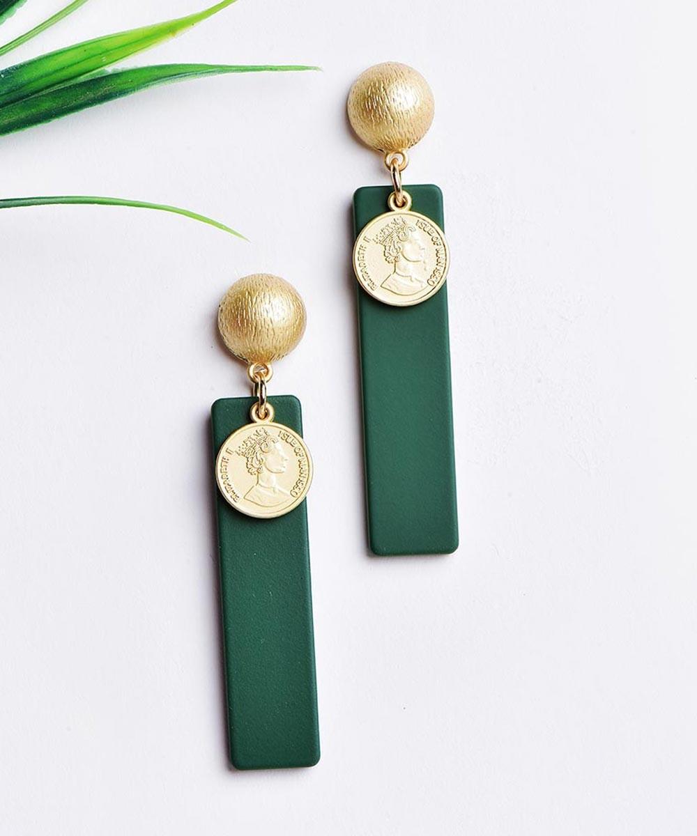 Wake me to this earrings Green