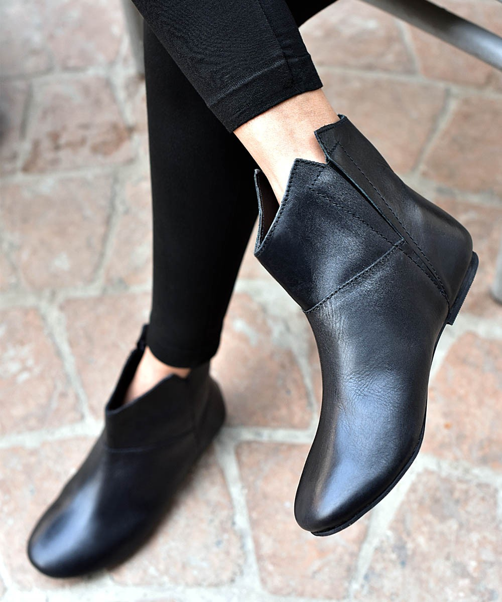 Genuine leather - Black beauty boots