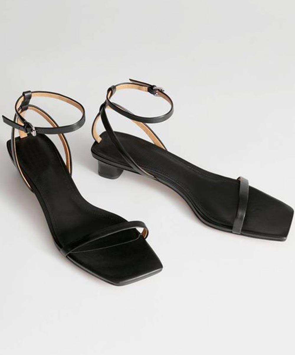 A pretty mesh heels