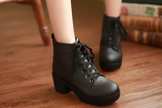 Perfect Laces Boots Black (Sole Black)