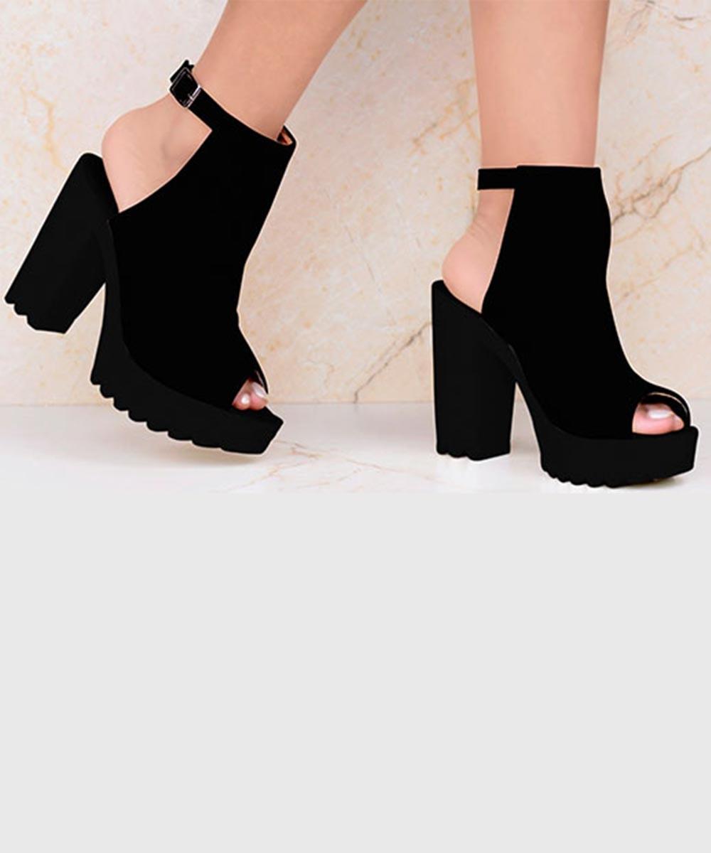 Solo Sashay Vegan Heel in Black