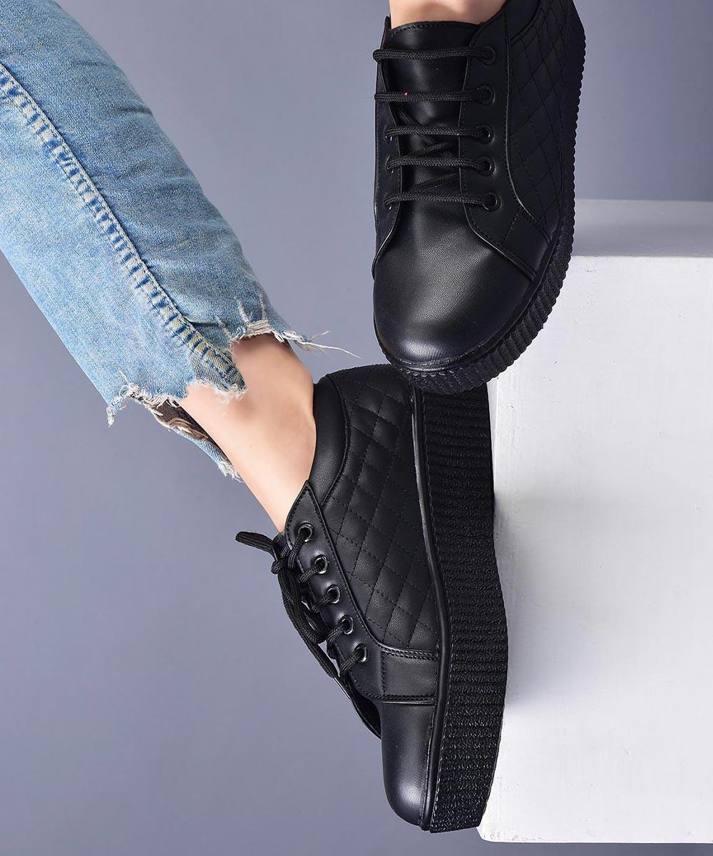Stop by platform black sneakers