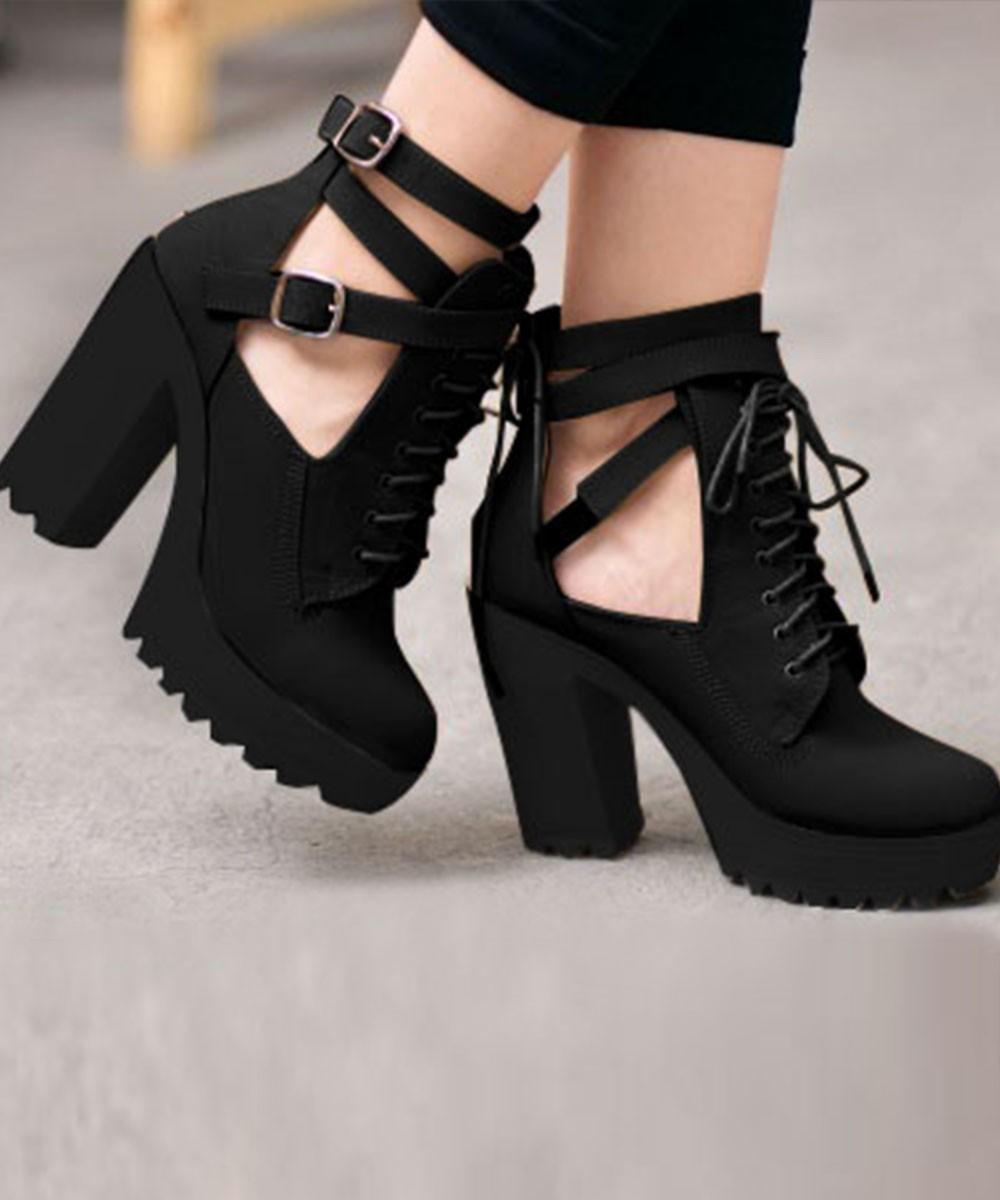 Classroom Belt Heels Black