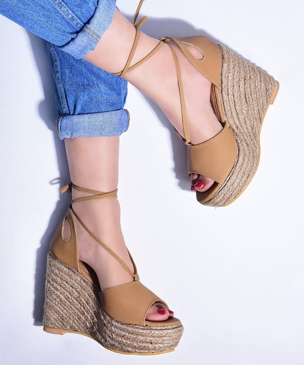Summer trendy wedges Brown