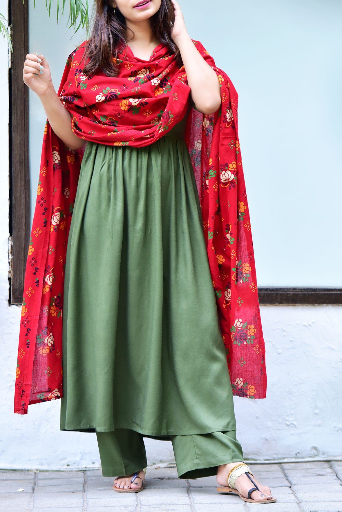 Set of 3- Graceful touch olive tunic,pant and dupatta