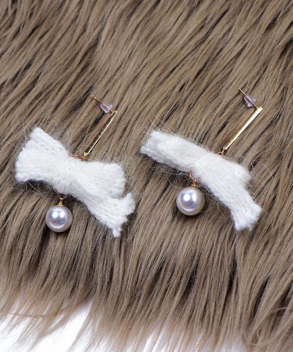 Summer feels white earrings