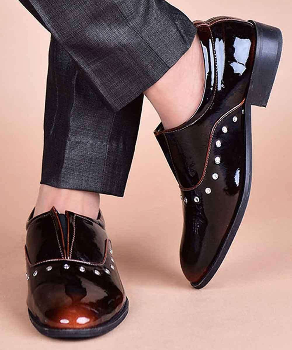 Double Toned formal shoes