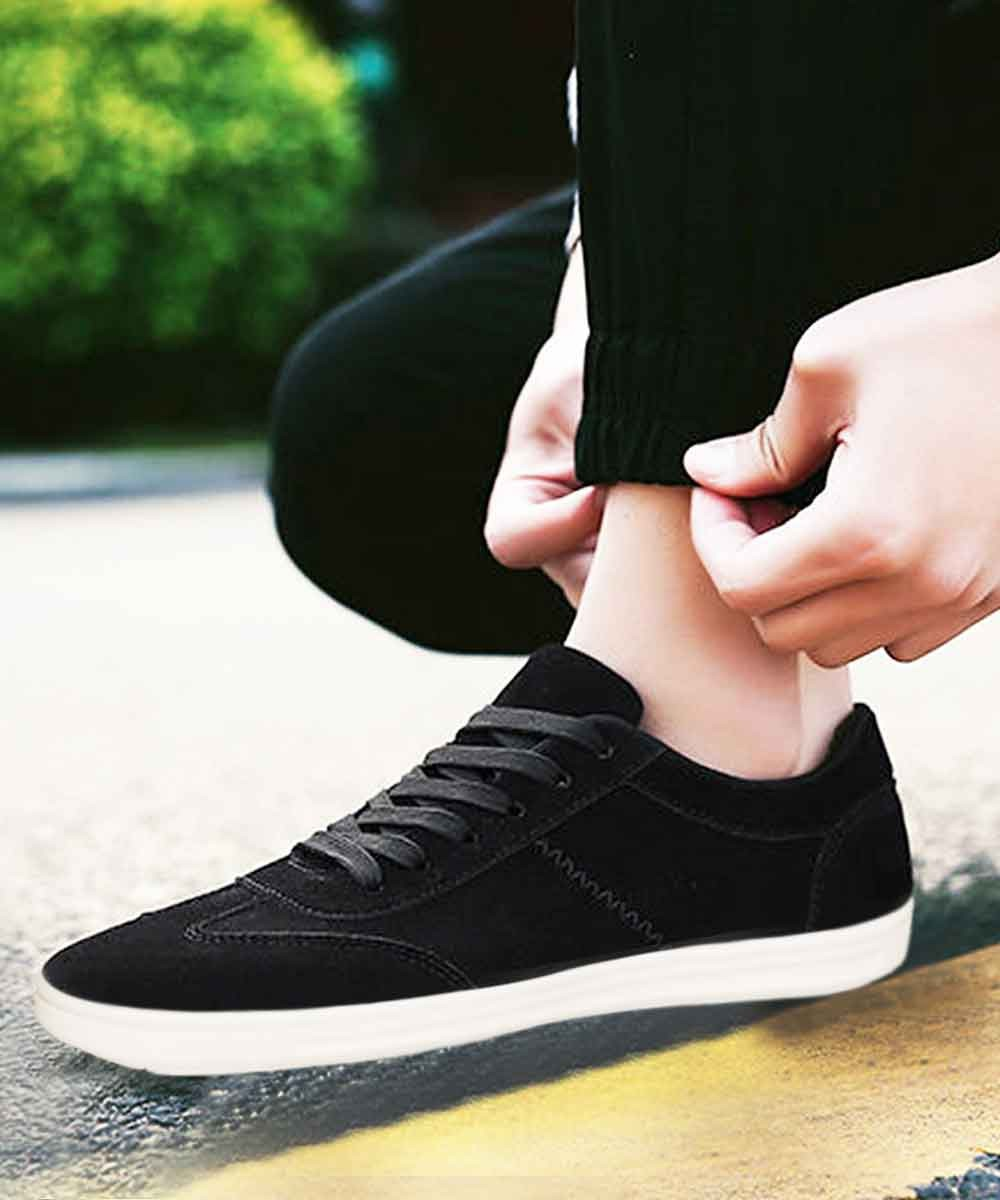 Low Top Sneakers Black