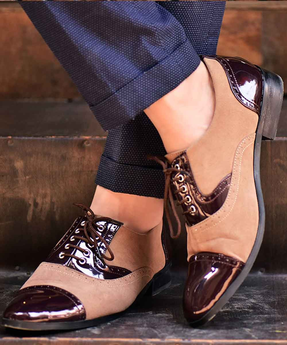 Contrast formal shoe