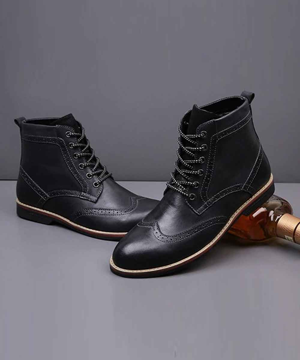 Black solid oxford boots