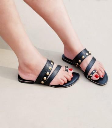 C37-Studded Flats - Black