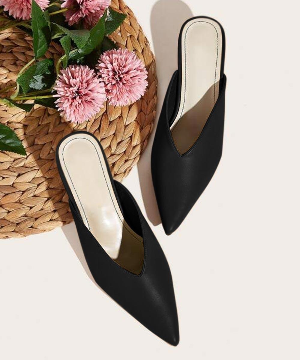Minimalistic chic heels Black
