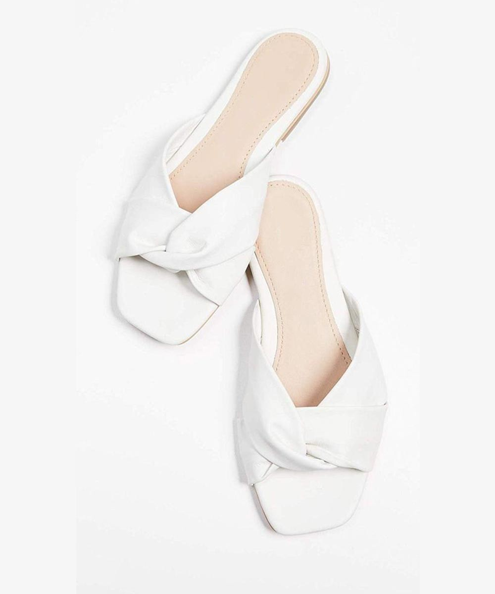 White twisted square toe flat