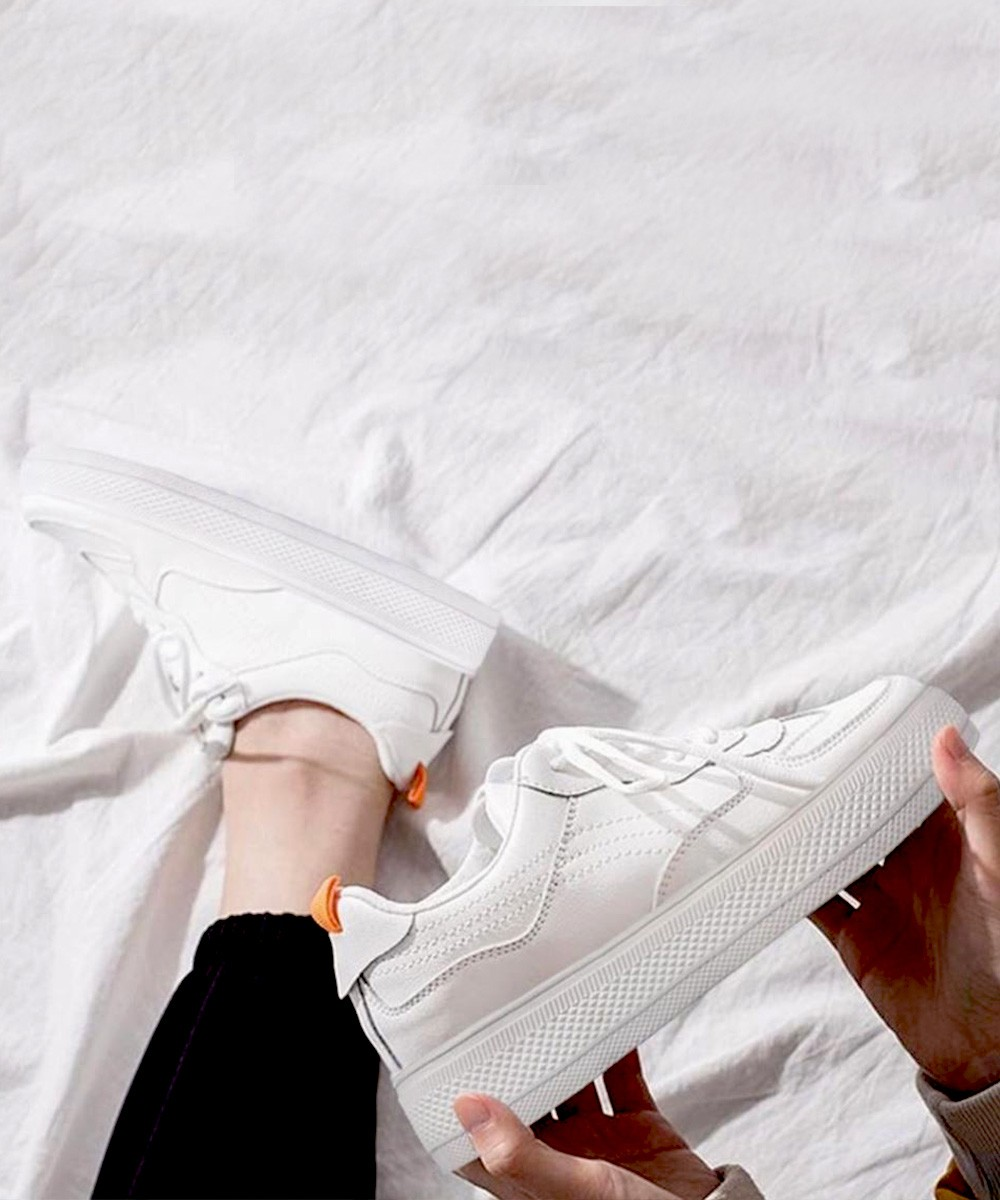 Holiday triumph white sneakers