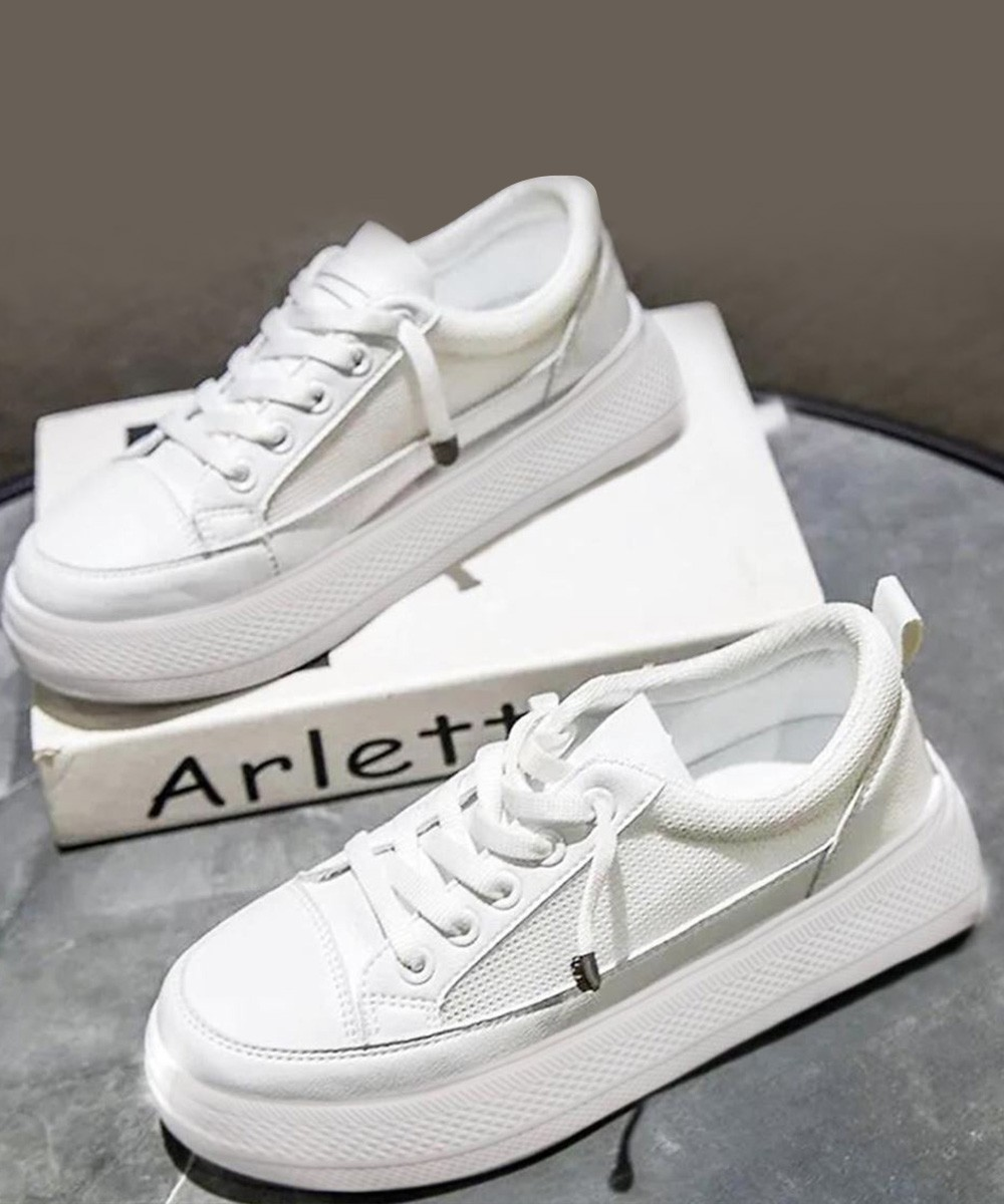Vintage classic babe white sneakers