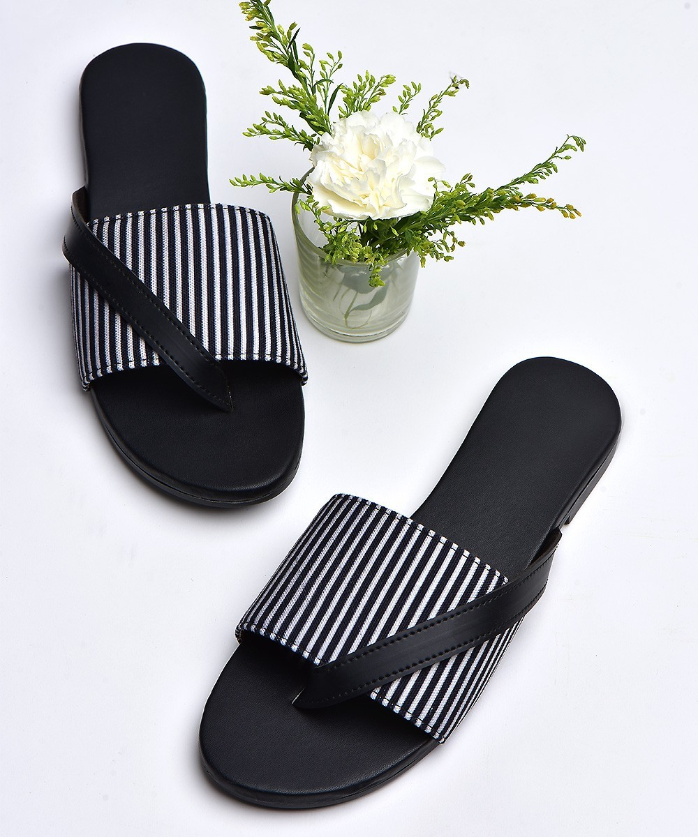 Black and white striped flat