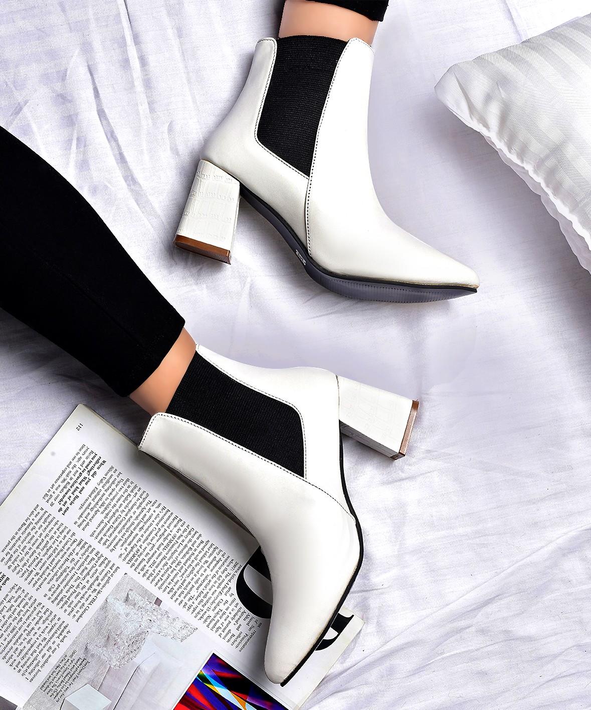 Hey beautiful white boots   Street Style Store