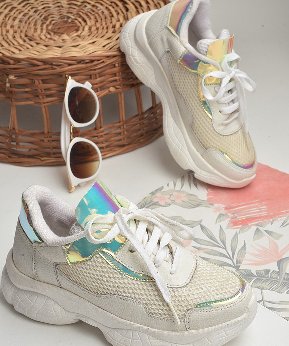Merry go around off white sneakers