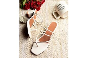 Cinderella love block heels in white