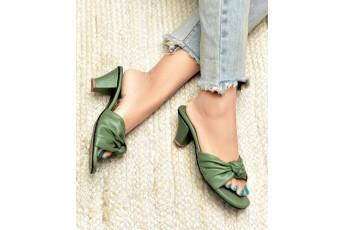 A love affair comfort sap green heel